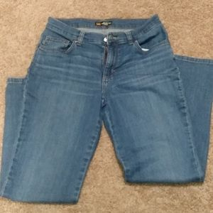 Lee Mid Rise Size 4 Jeans